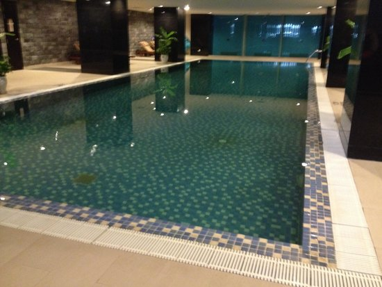 Somerset Hoa Binh: Large 20 meter swimming pool