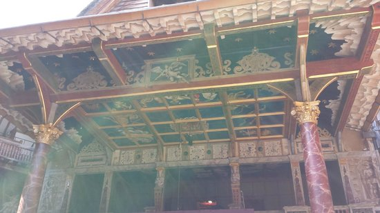 Shakespeare's Globe Theatre: Above the stage