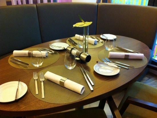 Mercure Bratislava Centrum: Cosy breakfast room