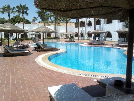 Domina Coral Bay Prestige Hotel: the other pool