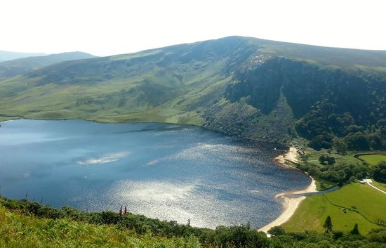 Wicklow Mountains National Park: Lough Tay view from The Old Military Road