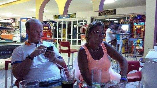 Fiesta Hotel Milord: meine frau mit einen sehr guten freund aus england