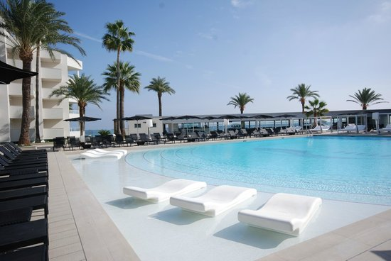 Hotel Garbi Ibiza & Spa: Pool Area