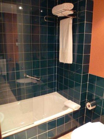 Hesperia Lanzarote : Salle de bain (chambre standard)