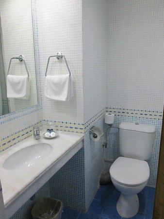 King Solomon Hotel: Badezimmer