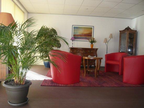 Hotel Parisien: RECEPTION