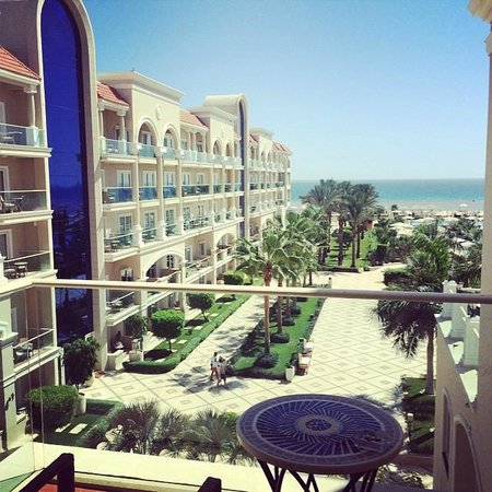 Premier Le Reve Hotel & Spa (Adults Only): View from room 1401