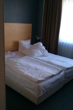 SORAT Hotel Ambassador Berlin: Zimmer