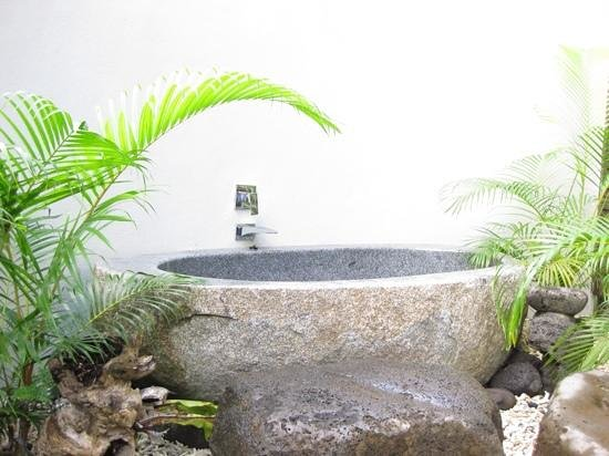 Saletoga Sands Resorts: Stone bath