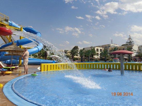 Soviva Resort : Brodzik przy basenie