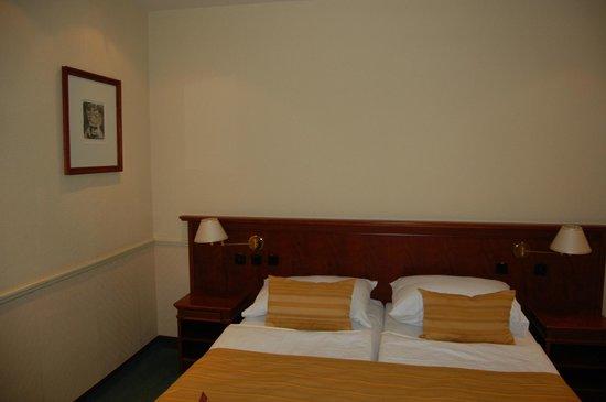 Adria Hotel Prague : Номер