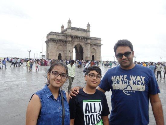 The Oberoi, Mumbai: Near by Gate of way of India