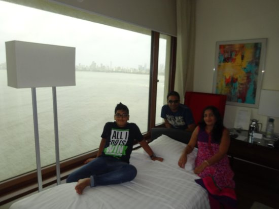 The Oberoi, Mumbai : See Arabian Sea from rooms.....