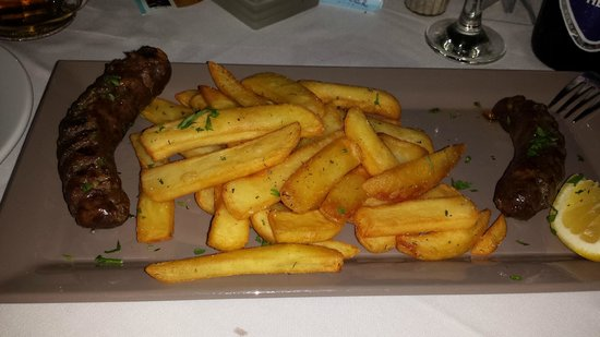 KOSMOPLAZ Restaurant: Myconian sausage 15.80 euros, une arnaque.
