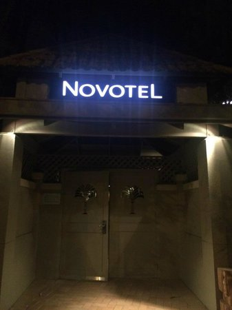 Novotel Cairns Oasis Resort: Back entry a life saver