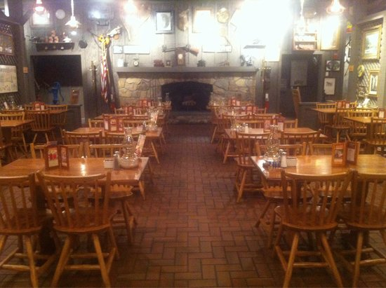 Photo of American Restaurant Cracker Barrel at 2130 Us Highway 60 E, Henderson, KY 42420, United States