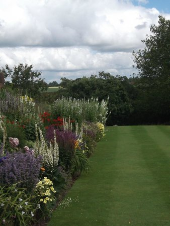 Goldstone Hall Hotel: Herbaceous Border