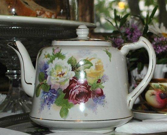 Kurrara Historic Guest House: Over 30 varieties of teas at Kurrara