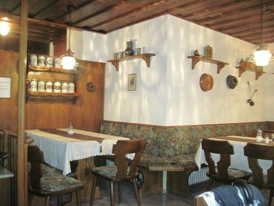 Spaetzle-Schwob: main dining area