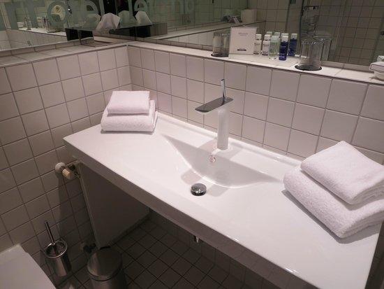 art'otel berlin mitte: Badezimmer