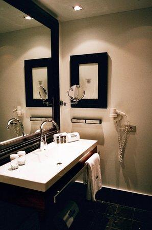 Hotel Pulitzer: Bathroom