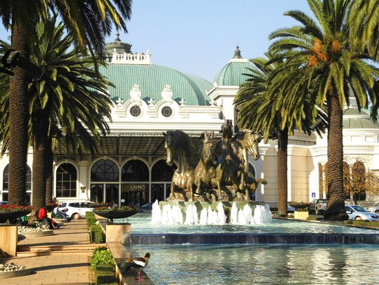 Peermont Mondior at Emperors Palace: Grounds