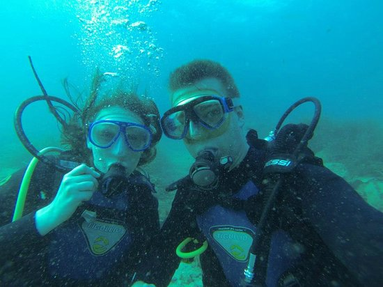 Skiathos Diving Center: Scuba dive