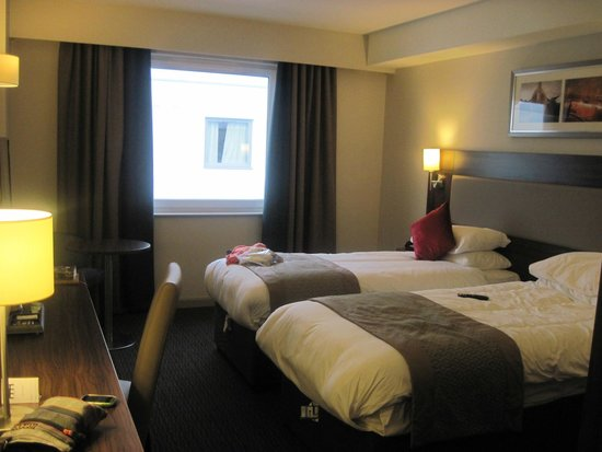 Heston Hyde Hotel: double room