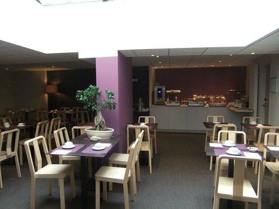 Hotel du Chateau: Breakfast area