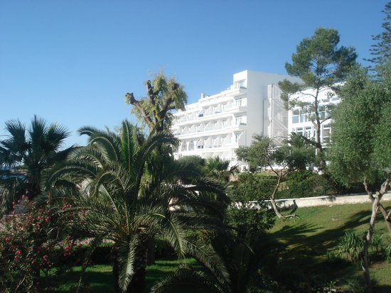 Hotel Rocador : Hotel taken from beach