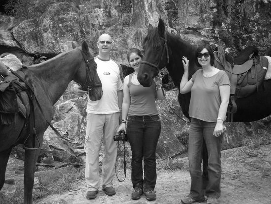 Black Horse Trails: At the waterfall