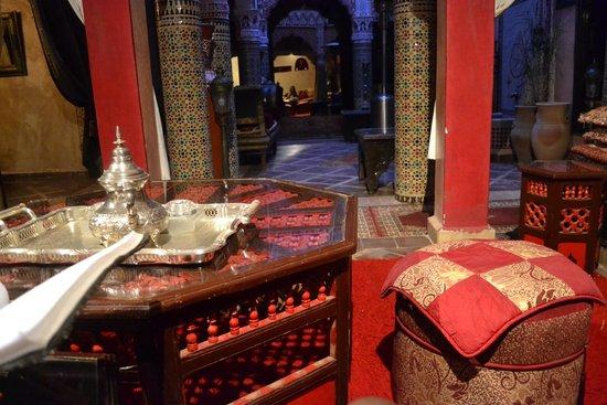 Riad Mille et une Nuits: Patio