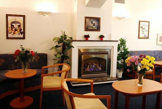Hotel Amadeus : reception area