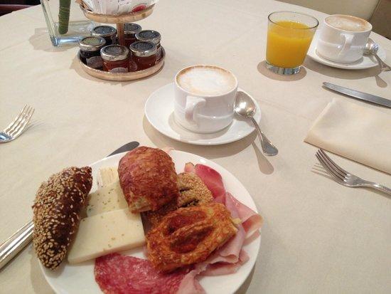 Hotel Londra Palace: yummy breakfast pastries