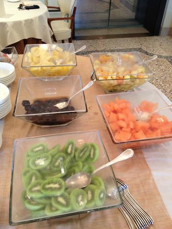 Hotel Londra Palace : freash fruit, breakfast