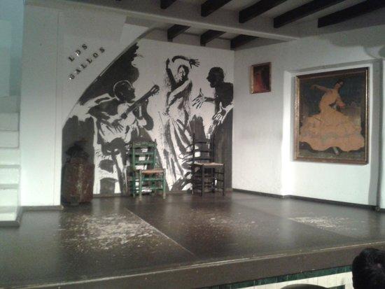 Tablao Flamenco Los Gallos: Escenario del tablao