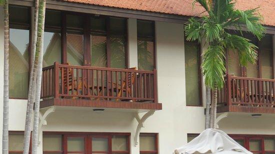 Anantara Angkor Resort: Balcony of 1st floor rooms
