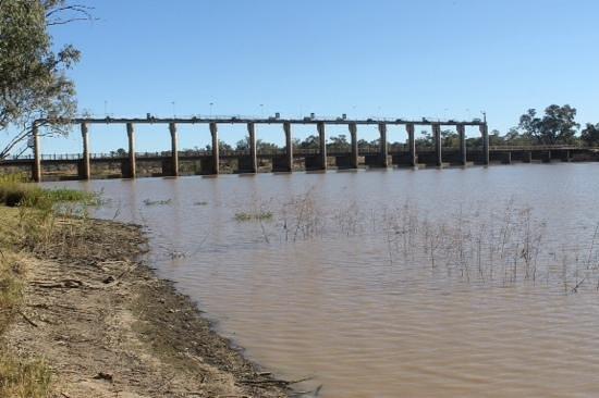 Pelican Rest Tourist Park: The Weir