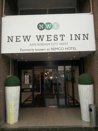 New West Inn Amsterdam : Entrada del hotel