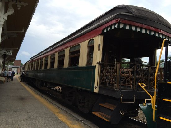 Conway Scenic Railroad : The first class car The Gertrude Emma
