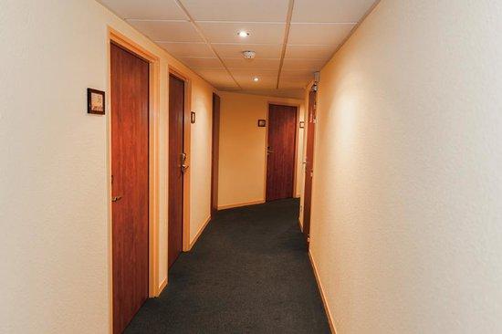 Armony Hotel : Couloir