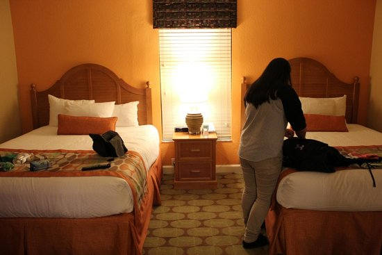 Holiday Inn Club Vacations At Orange Lake Resort: Bedroom with 2 queen beds
