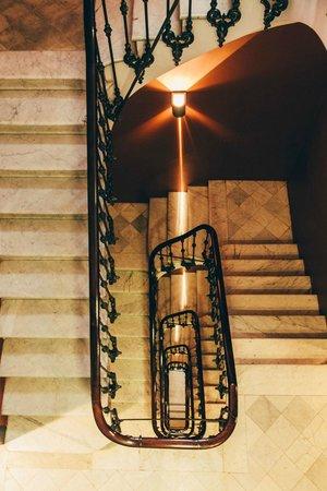 Hotel Regina Barcelona: Stairs
