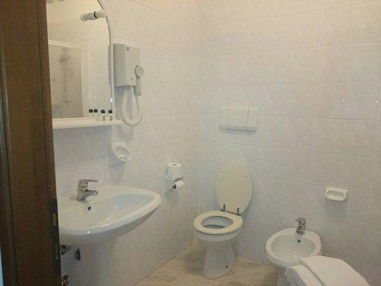 Hotel Villa Olivo: Bad