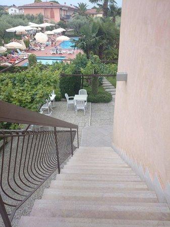 Hotel Villa Olivo: Aussicht zum Pool