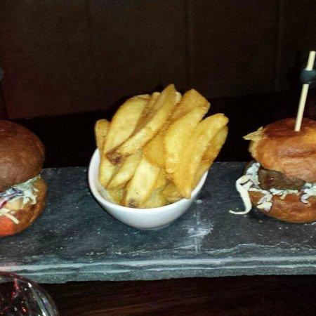 Jervois Steak House Queenstown : Burger kids meal