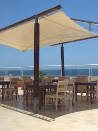 Vincci Tenerife Golf Hotel: Terrace with sea views