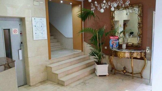 Hotel Maritimo: Recepción