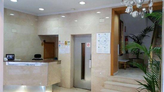 Hotel Maritimo: Acceso