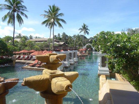 JW Marriott Phuket Resort & Spa: View of the gorgeous pool area